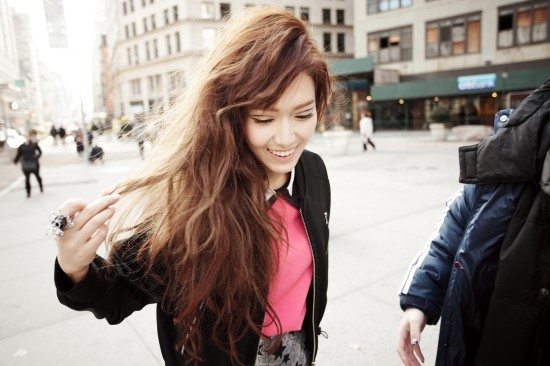 Jessica-Dazed-and-Confused-photoshoot-jessica-snsd-37305124-550-366